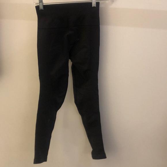 lululemon athletica Pants - Lululemon black crop tights, sz 2, 70928